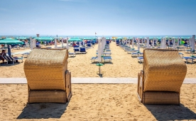 Camping Sabbiadoro, Lignano - sandy beaches and swimming pools with heated water